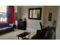 Beautiful Double bedroom in 2 bedroom female flat-share 900£ Including Internet