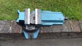 "milling Vice 4"" heavy duty tipping & swivel next to new in very good condition"
