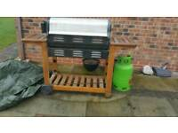 Gas BBQ with shelves