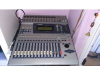 Yamaha 01v mixer