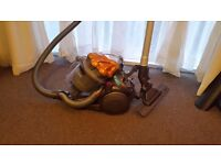 DYSON DC 19 VACUUM HOOVER BAGLESS