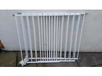 £13.50 per gate if 2 purchased BabyDan Extendable Baby Infant Pet Dog Guard White Gate