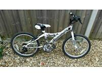 "Boys white mountain bike (12"" frame)"