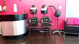 Lovely and trendy hair salon on a busy high street in Hackney!!!