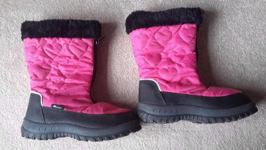 winter/snow boots excellent condition sizes 5 and 6 available £5 per pair