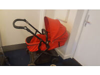 Baby buggy very good condition collection from Hounslow.