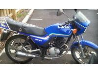 SUZUKI GS125 MOTORBIKE