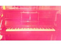 Piano. Free to collector .