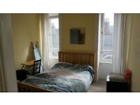 ROOM TO RENT - (couples welcome) Nice large room in very Central location