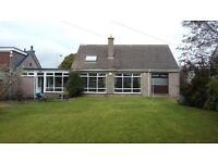 Three bed house to rent with sitting room/dining room on open plan, garage and large mature garden