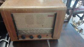 Wooden retro radio in good condition W 57cm