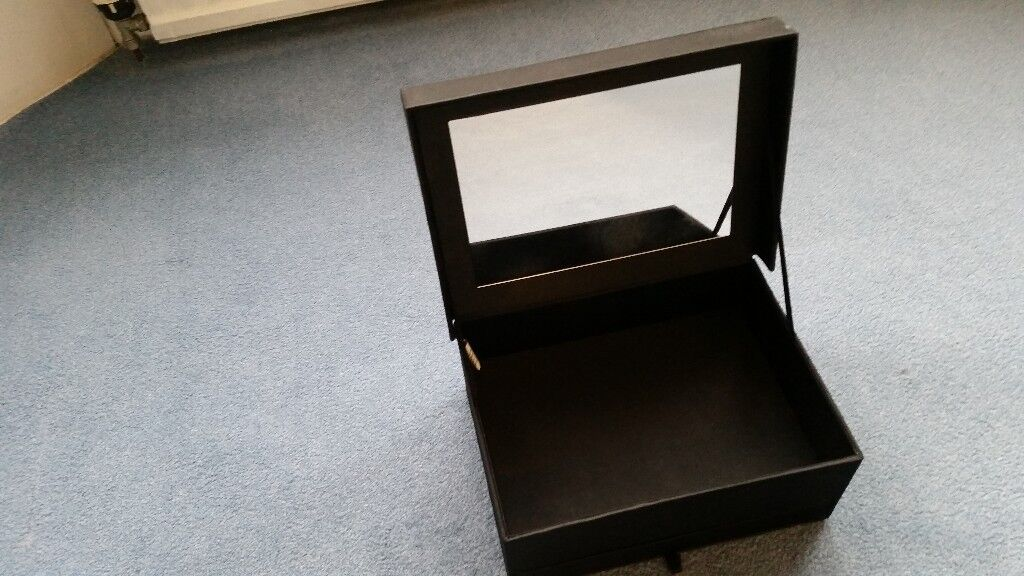 Jewellery Make up Box, Includes Mirror, Open Drawer at bottom+ 1 on top, Contact me soon as, Cheap£5