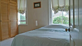 * * SHORT LET : Lovely Quiet Mid Sized Double Room for a Working Prof. Single - AVAILABLE NOW * *