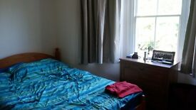 2 Bedroom Flat to rent - Plamers Green
