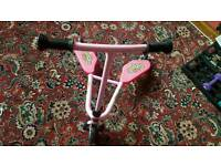 BABY ROCK WIGGLE SCOOTER BARELY USED