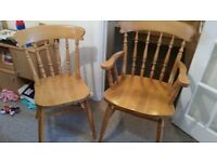 Oval pine leaf table and chairs