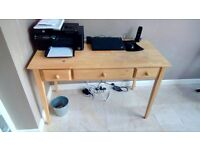 Solid wood desk with 2 drawers and slide out keyboard shelf