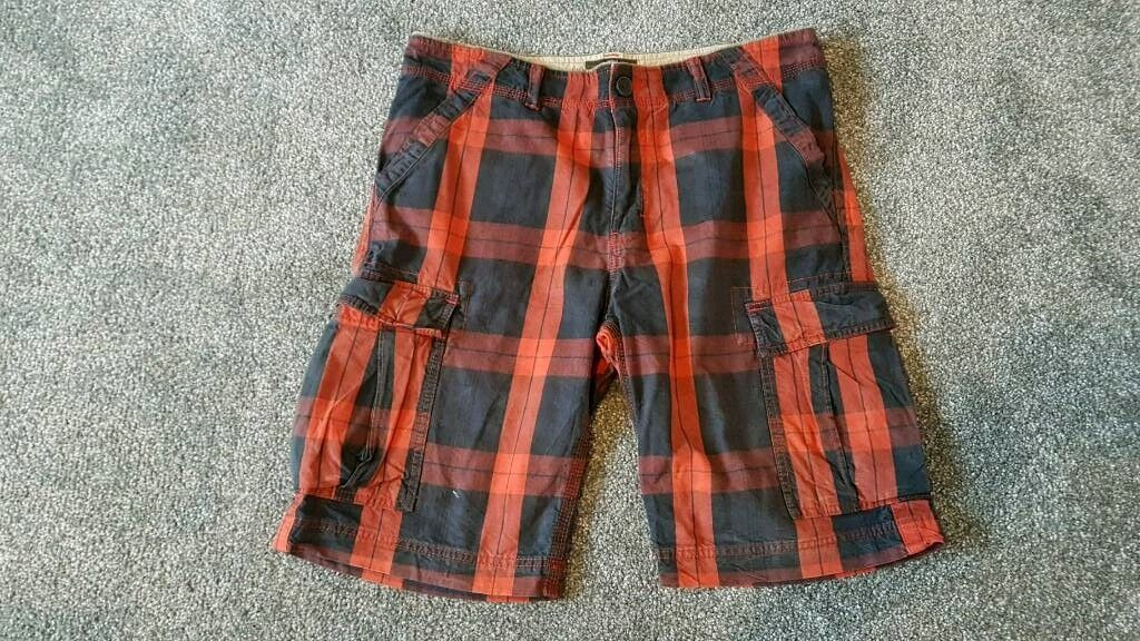 """Timberland Cargo shorts W32"""" mens heavy duty Plaid/checked Black/Red"""