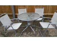 Garden Table And 4 Chairs grab a bargain in time for summer