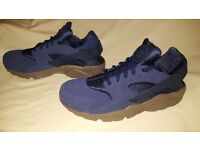 Limited edition men's Nike hurrache size 10