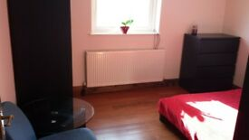 Double room for rent in Brentwood