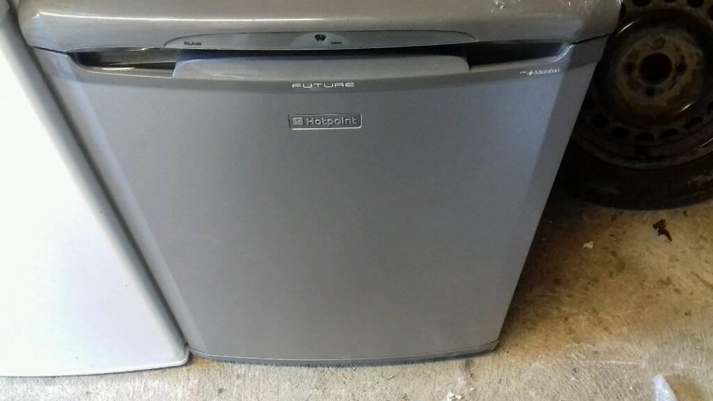 new hotpoint fridge free nn delivery 12 months warranty