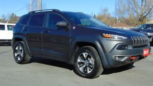 2017 Jeep Cherokee TRAILHAWK 4X4 - FACTORY TOW GROUP