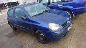 2003 RENAULT CLIO EXPRESSION, 1.5 DCI, BREAKING FOR PARTS ONLY, POSTAGE AVAILABLE NATIONWIDE