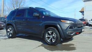 2016 Jeep Cherokee TRAILHAWK  4X4 - EXECUTIVE DEMO - 8,900 KMS!!