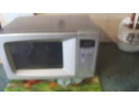 Daewoo microwave. 700 watt