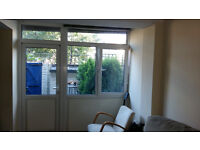 cheap central room with garden in houseshare