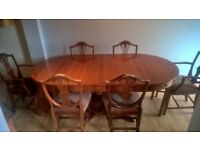 Beautiful Wooden Dining Table & Chairs