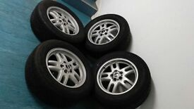 4 Range Rover genuine alloys with tyres - R18