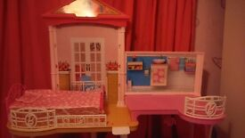 Barbie house, all clips together, can be dismantled if needed, good clean played with condition.