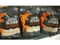 3x10l bags of aspen reptile substrate