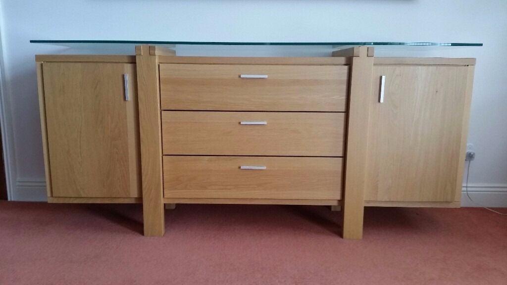 Beautiful Quality Modern Oak Sideboard With Floating Gl Top