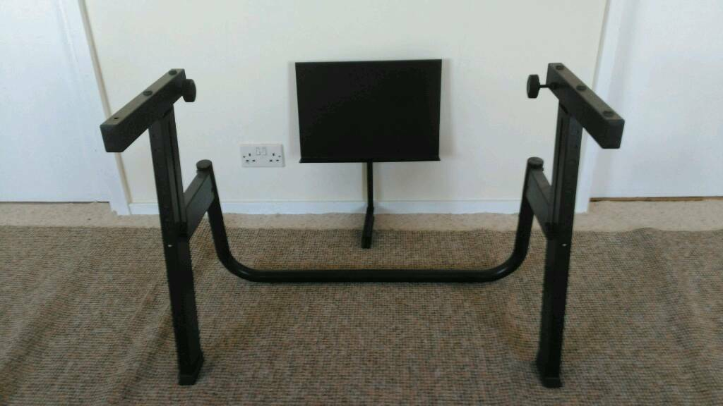 Quiklok Monolith keyboard stand, with music stand attachment! Excellent condition, pro stand