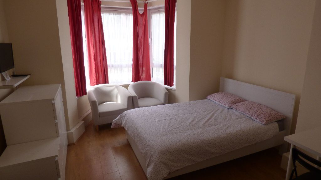 Devas Street, ** FLAT SHARE **, Mile End / Bow