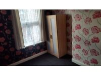 Single Room to let in LS11. 60/Week All included