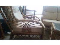 4 pc Wicker Funiture set in good condition
