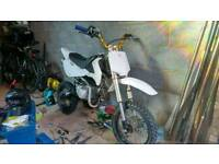 Stomp 140 pitbike YX140