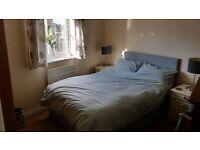 Melksham Bowerhill . Lovely sunny clean double bedroom