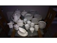 Large bone china white and gold dinner service (10+ person set)