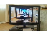 32 inch Samsung hd tv with stand and chromecast