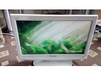 "PANASONIC VIERA 19"" LCD TV FREEVIEW/WHITE FINISH/VIERA LINK/SD CARD SLOT AS NEW NO OFFERS"