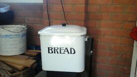 enamelled metal bread bin