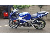 Suzuki 600 gsxr. Popular blue and silver colour scheme