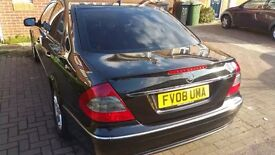 Mercedes Benz Eclass 220 avantgarde cdi pco Top off the rang model very nice and clean family car.