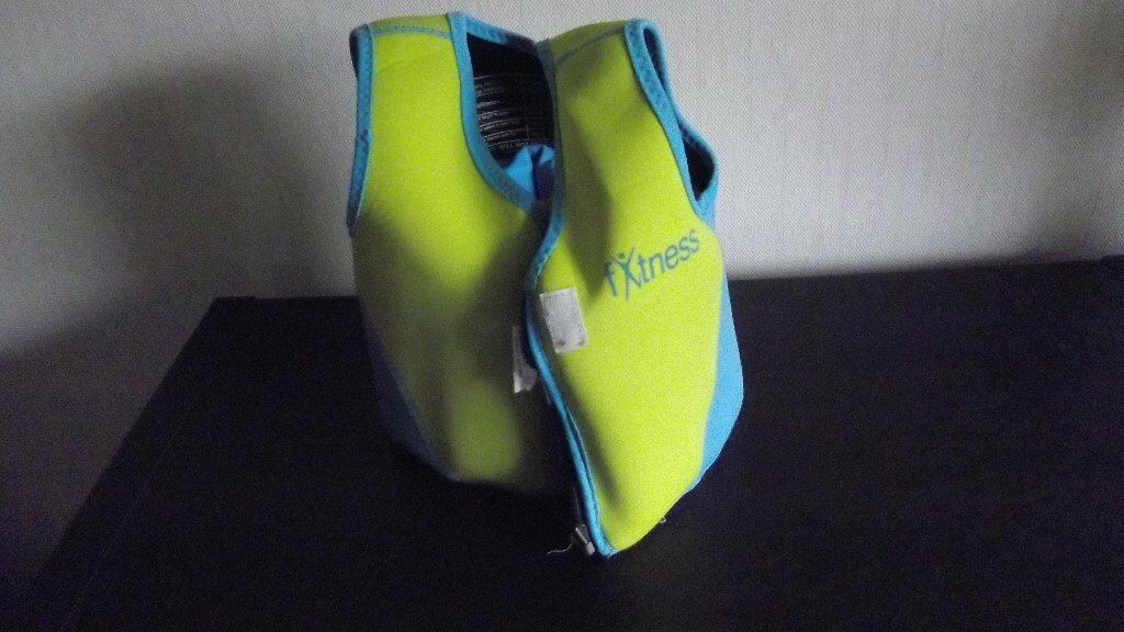 Childs Swim Jacket Buoyancy Aid Vest 2-3 years