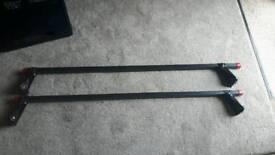 Adjustable steel roof bars